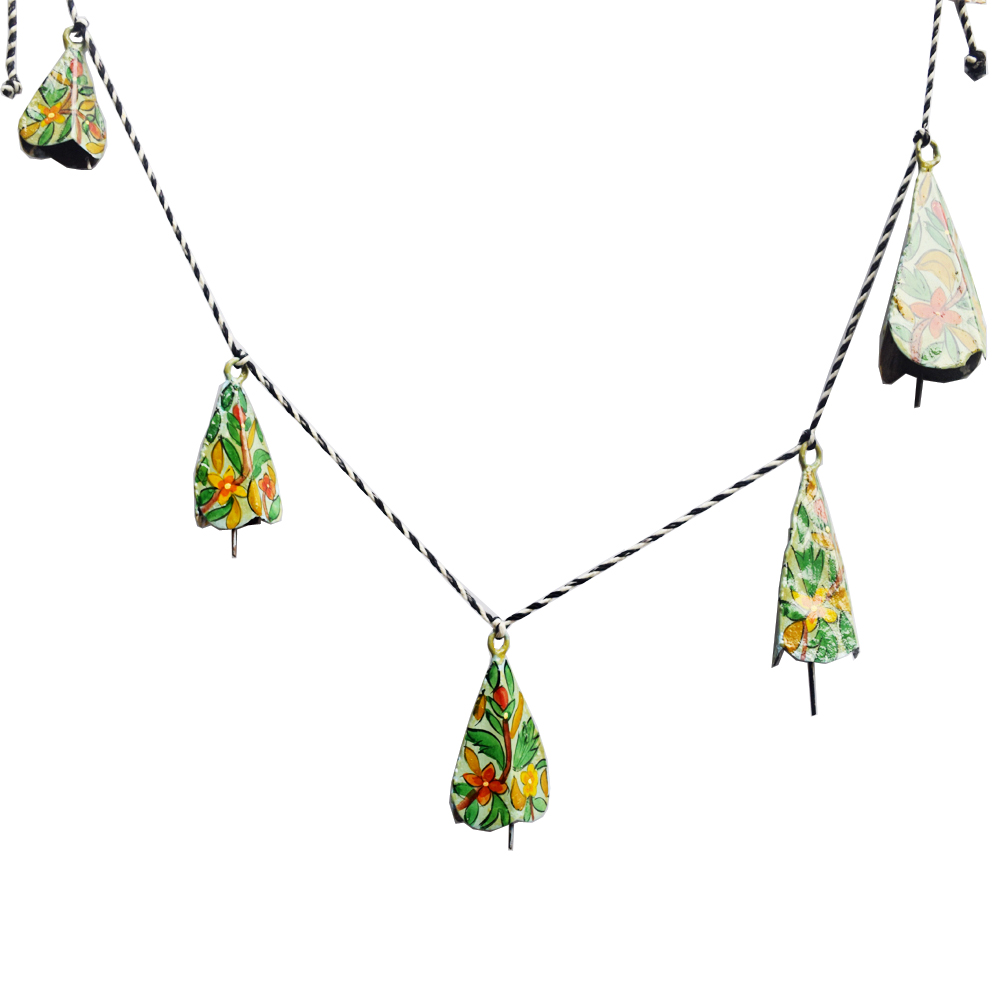 Bandhanwar shaped wind chimes for a serene ambience