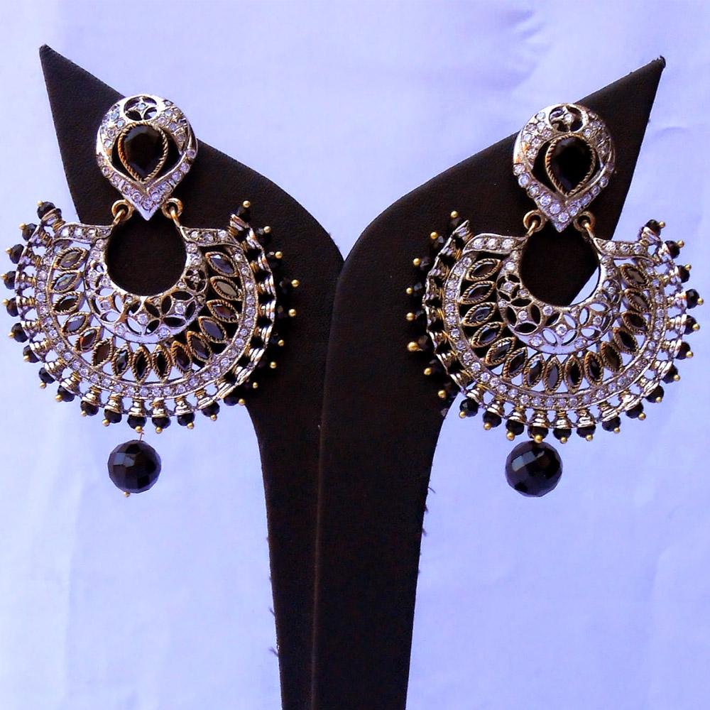 Black & white fashion earrings