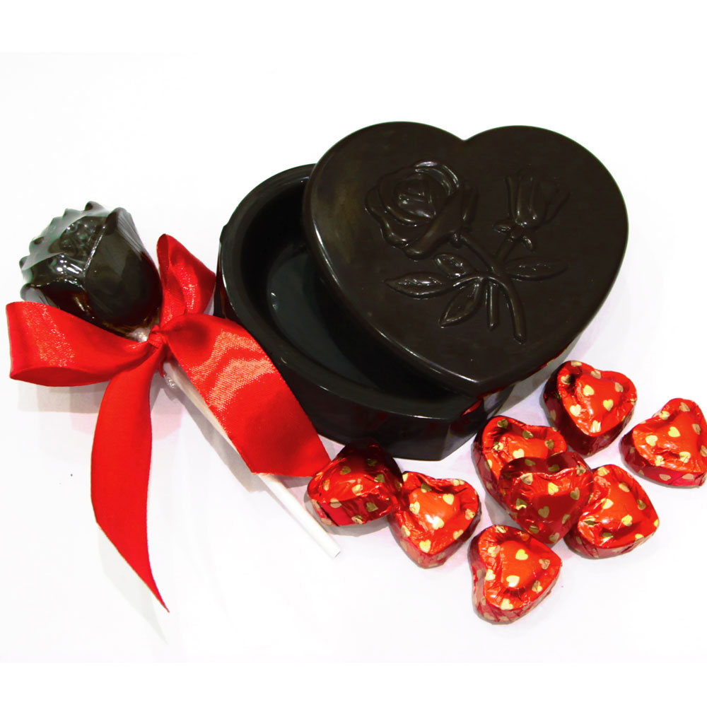Heart shaped chocolates with rose