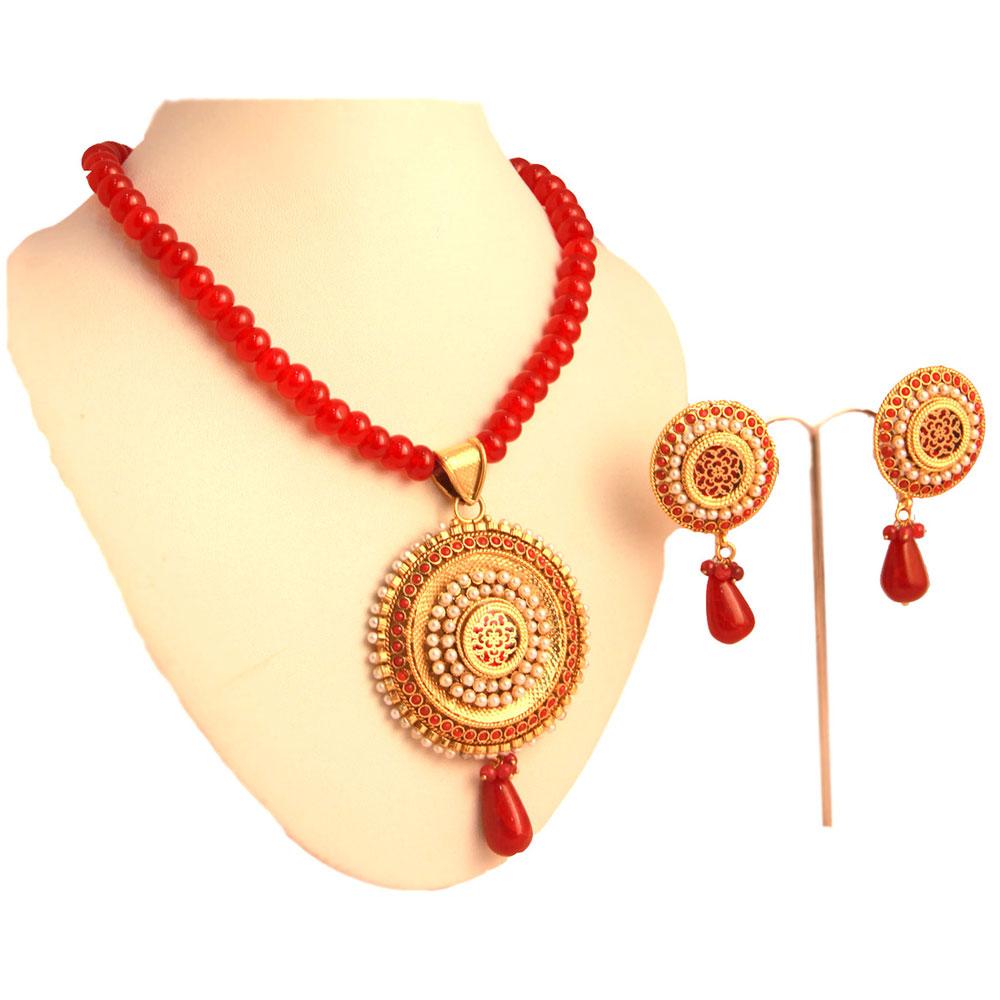 Circular red pendant set