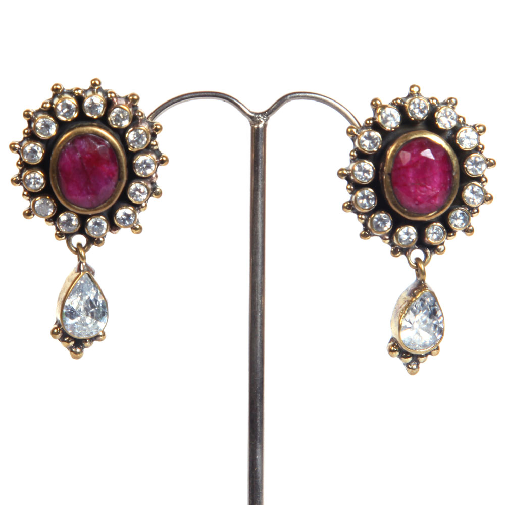 Circular white stones earrings