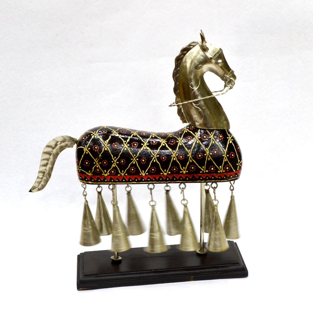 Metal Hanging Bell Horse with Embossed Work