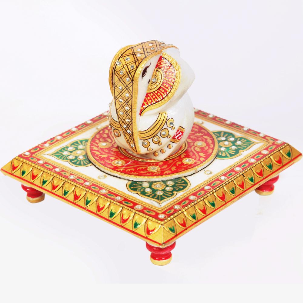 Ganesh ji with crafted chowki