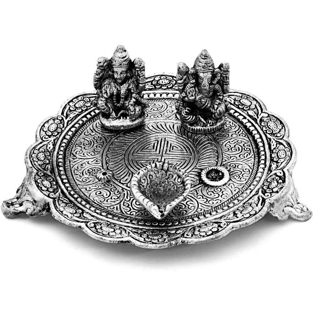Oxidised ganesh lakshmi pooja thali along with diyas