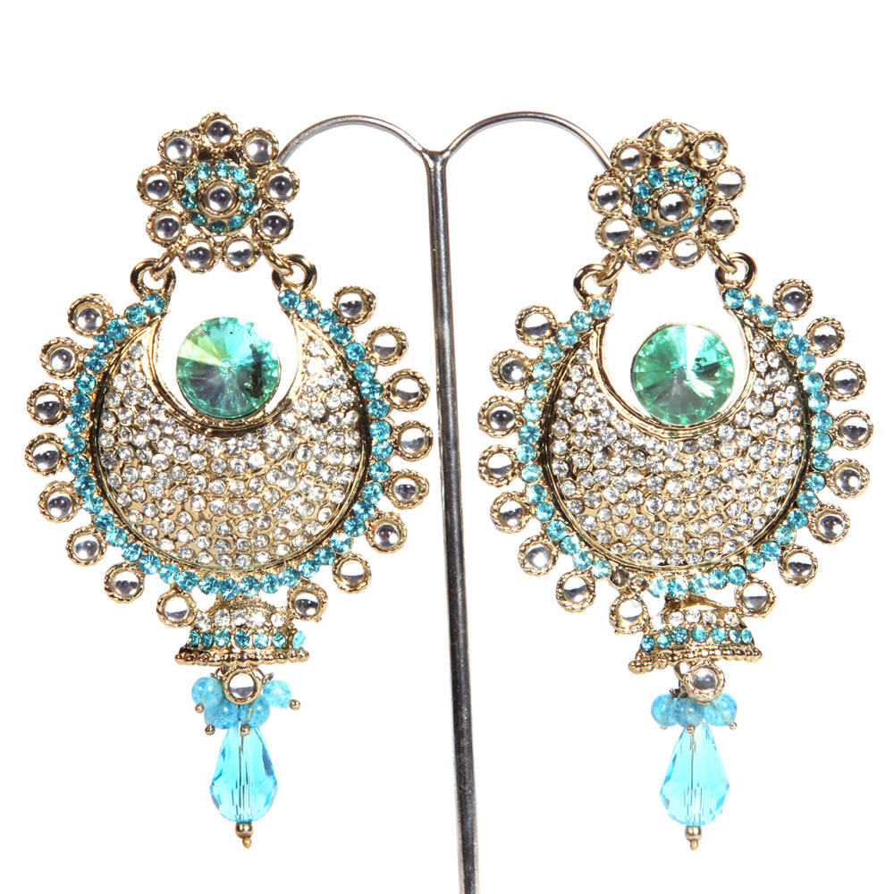 Pair of fashion earrings