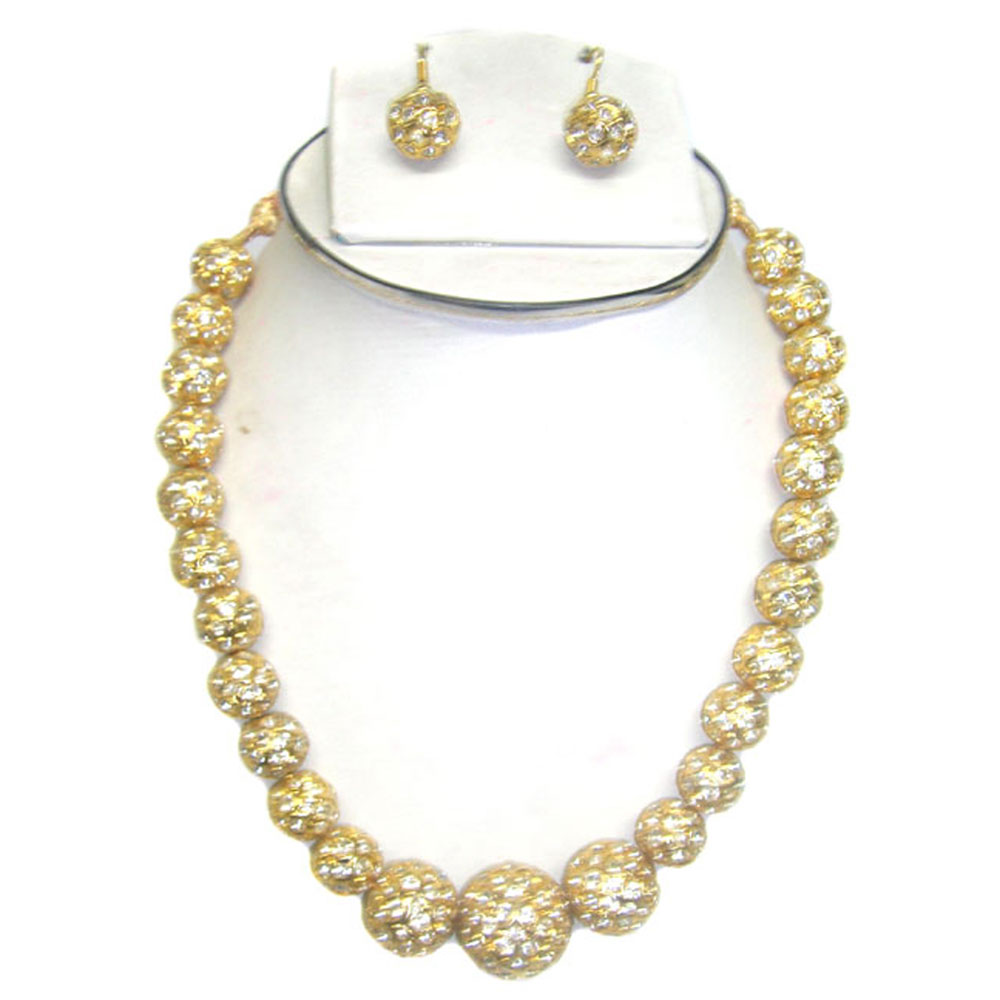 Pearl hanging Necklace