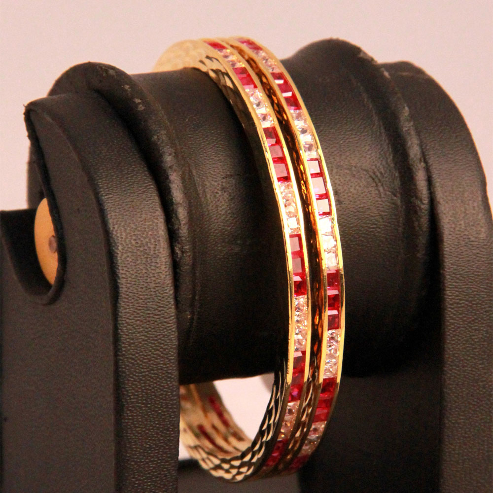 Red & white stoned bangles