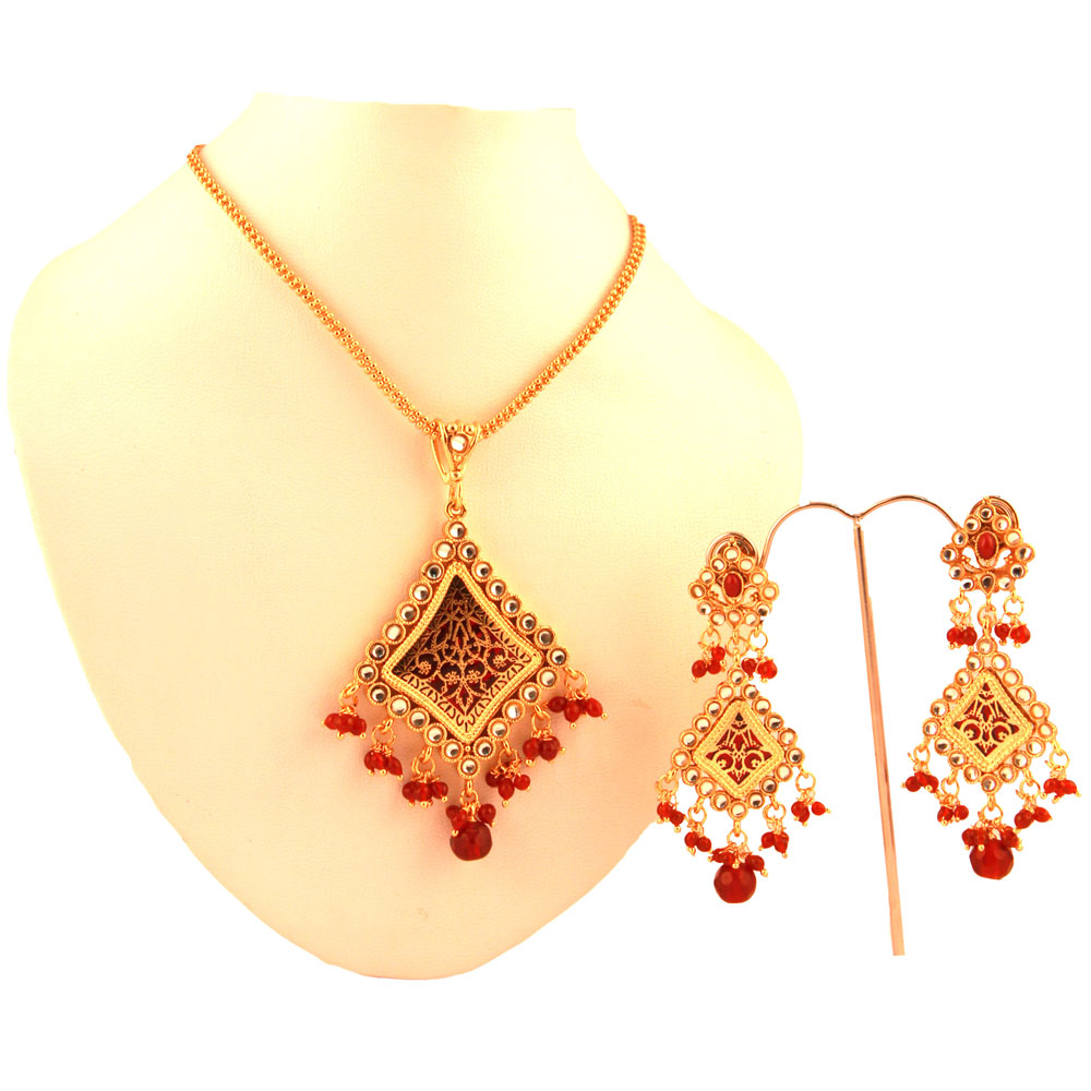 Red colored balls hanged in thewa pendant set