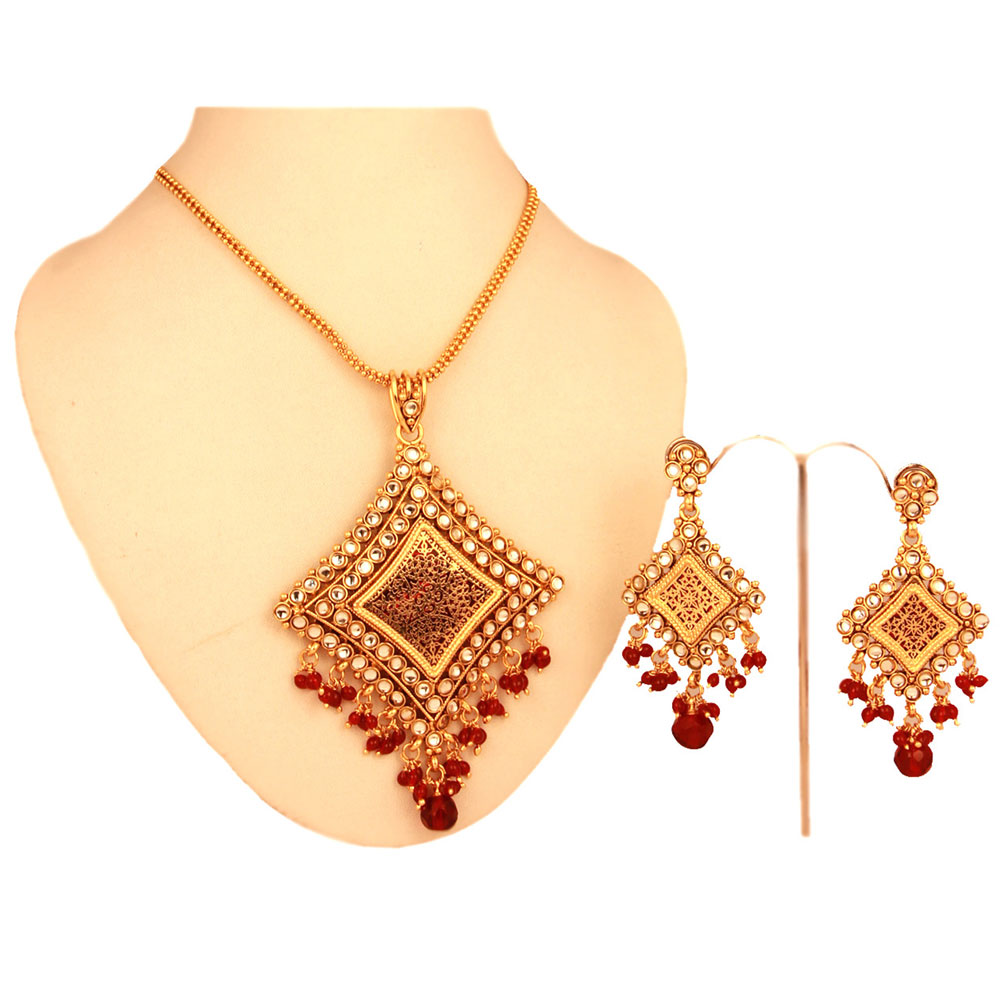 Red coloured pendant with elegant chain