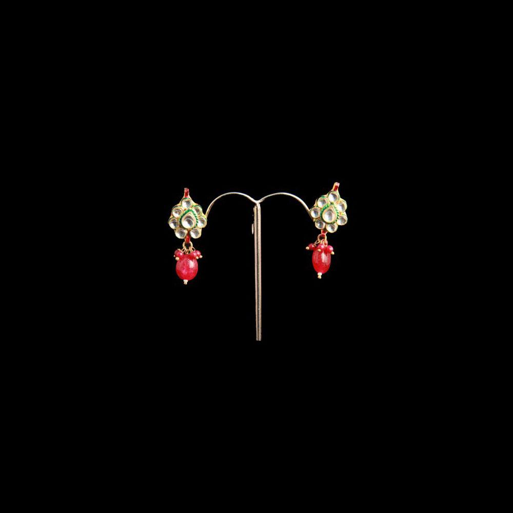 Teardrop hanging earrings