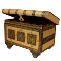 Wooden pitari box having royal design to keep ladies ornaments