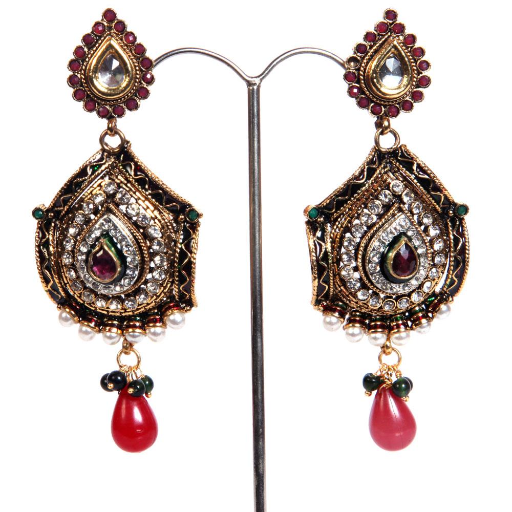 Traditional brassed earrings